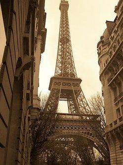 Eiffel_sepia